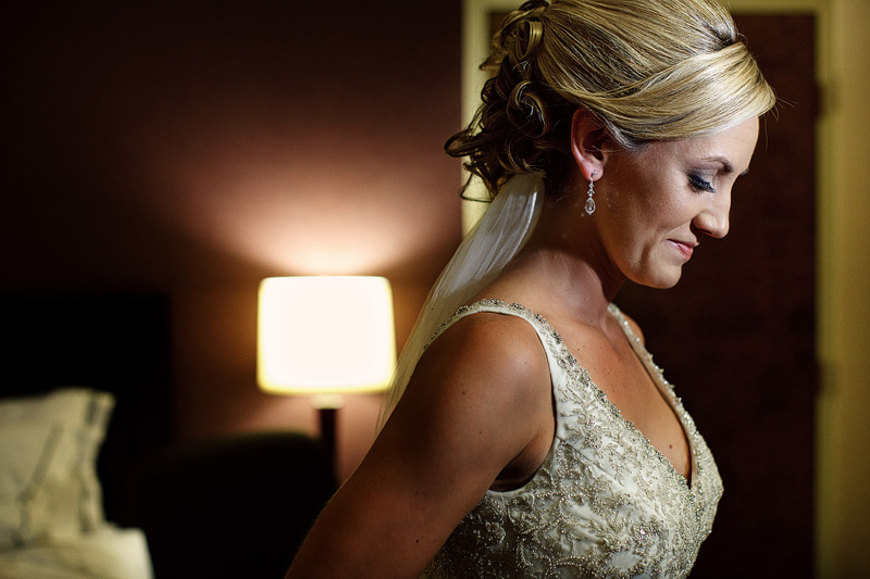 indiana bride getting ready